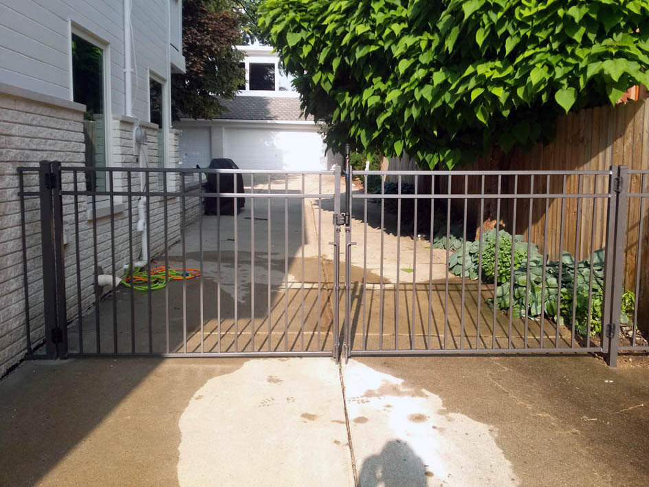 fence gate sample